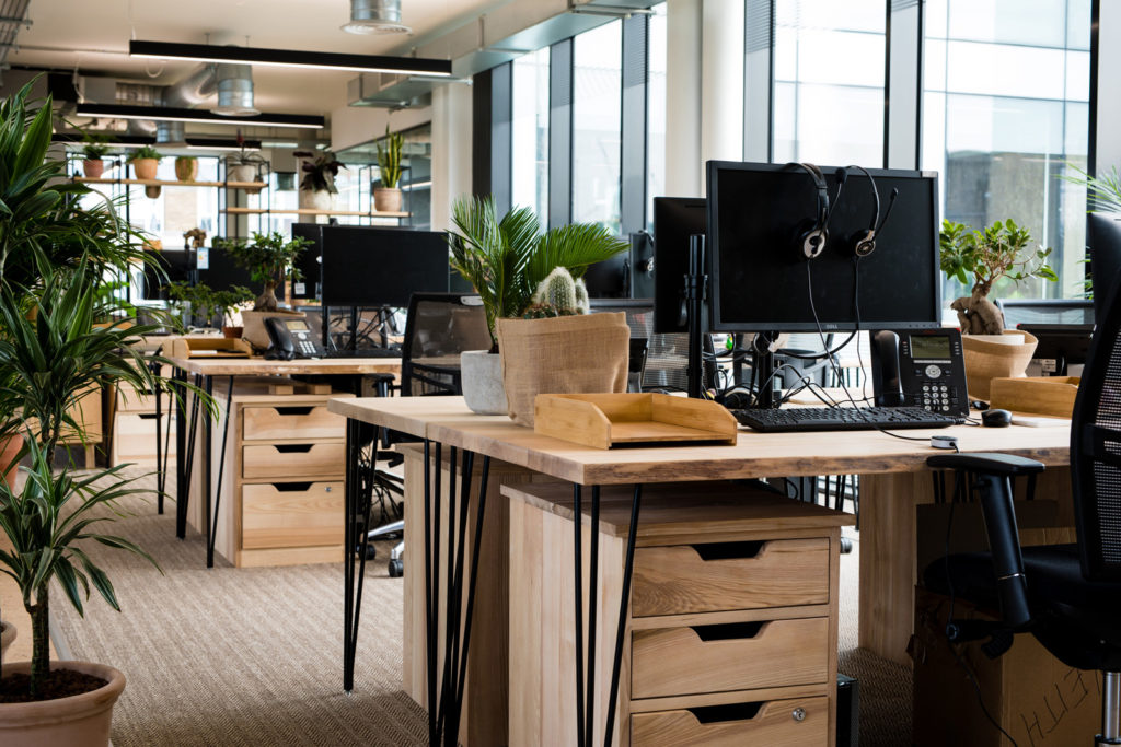 Bespoke desk furniture design using sustainable wood